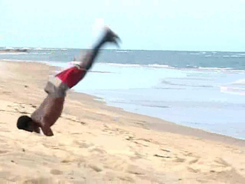 キレイな海岸沿いのビーチで発情してしまった若者達。 男子カップル ゲイSEX画像 111枚 16