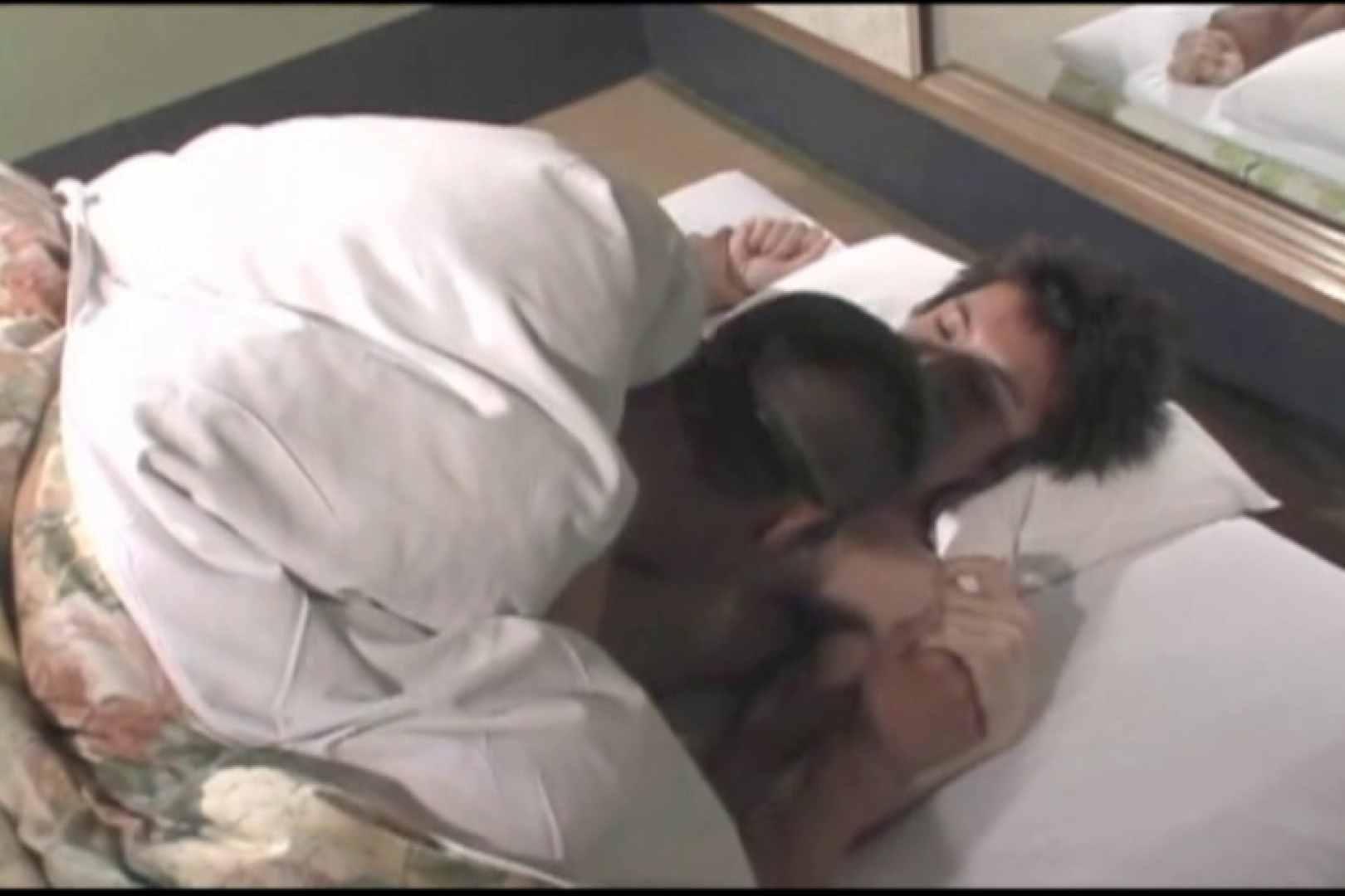 布団の中から失礼します。柔道男とガリ勉君。 男・男・男 ゲイSEX画像 89枚 23