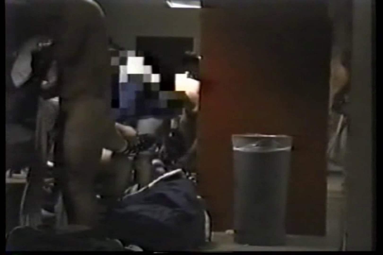 洋人さんの脱衣所を覗いてみました。VOL.3 覗きシーン ペニス画像 92枚 22