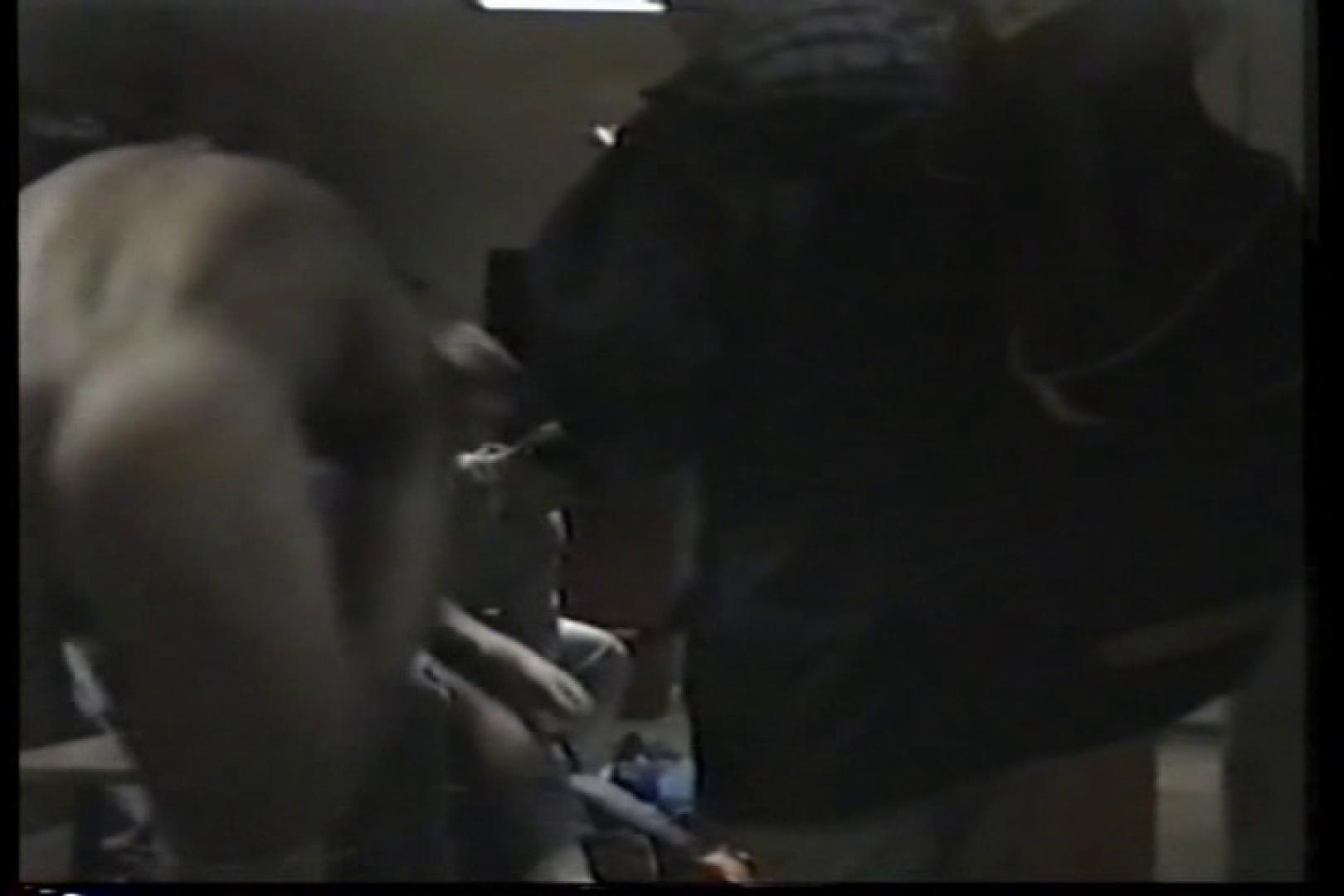 洋人さんの脱衣所を覗いてみました。VOL.3 男・男・男 男同士動画 92枚 38