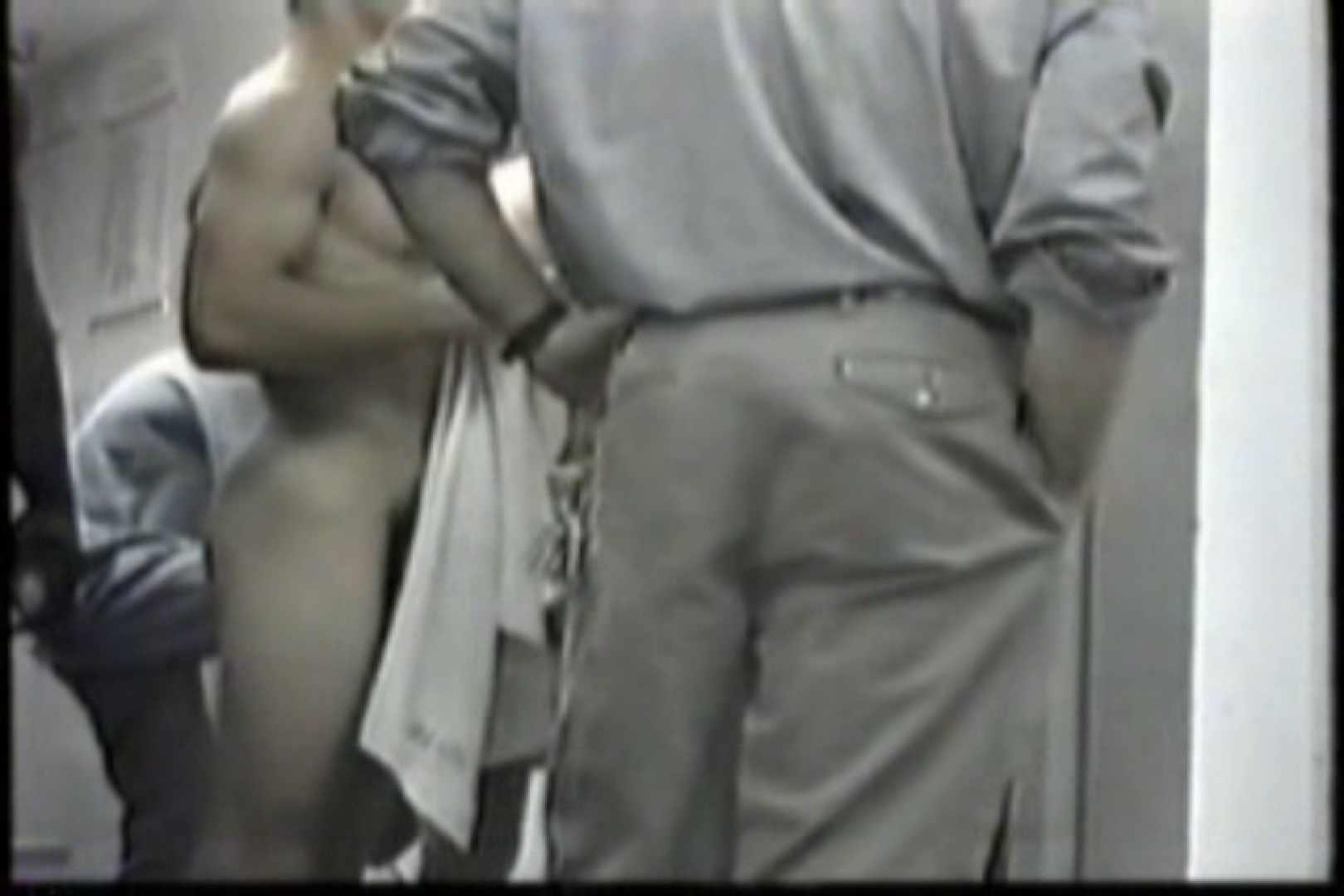 洋人さんの脱衣所を覗いてみました。VOL.6 覗きシーン   男・男・男  102枚 55